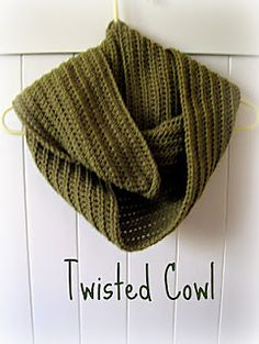 This cowl is amazingly easy - all you need to know is chain and half double crochet! You can easily adjust it to be bigger or smaller by increasing or decreasing the number of chains you start with, or the number of half double crochet rows. You can wrap this cowl once, twice, or even three times around your neck for different looks.