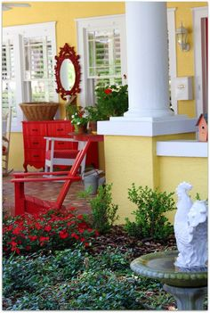 Daisy Cottage...if this were my house, I would be sitting on the front steps all day long...even in the dead of winter!!