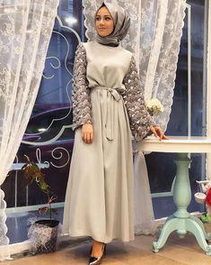 Hijab Dress Models For Young Women Hijab Evening Dress, Hijab Dress Party, Hijab Style Dress, Party Dresses, Abaya Style, Prom Dress, Abaya Fashion, Muslim Fashion, Modest Fashion