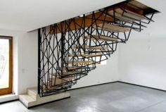 design-escalier-moderne-salon-flottant-intéressant