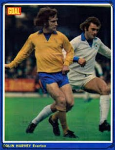 Leicester City 1 Everton 2 in Sept 1972 at Filbert Street. Colin Harvey and Keith Weller in action #Div1