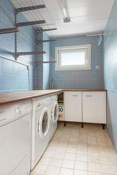 Välplanerad tvättstuga med 2 tvättmaskiner!!!