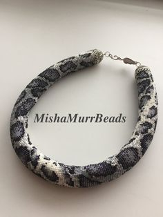 Beaded Necklace Snow Leopard от MishaMurrBeads на Etsy