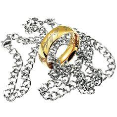 Anello in acciaio inossidabile placcato oro (14 carati). l.: 7 mm circa. Lunghezza catenina: 50 cm circa. Consegnato in un cofanetto regalo. L'anello verrà consegnato in un cofanetto regalo.