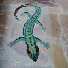 Large mosaic salamander on order