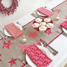 This is so pretty but I must resist! Liberty fabric star Christmas table runner