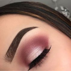 Make Up; Make Up Looks; Make Up Augen; Make Up Prom;Make Up Face; Gold Eyeliner, Gold Eye Makeup, Pink Makeup, Makeup Eyeshadow, Pink Eyeshadow Look, Makeup Eyebrows, Prom Makeup For Brown Eyes, Pink Wedding Makeup, Eyeshadow For Brown Eyes