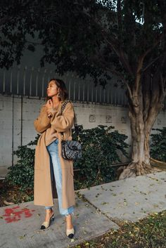 If you guys read my most recent Friday Favorites post, you saw me talk about my favorite coat & the new sweaters i've been obsessing over. I wasn't …