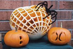 Some of the most creative Halloween pumpkin carving designs from all over the web for Easy Pumpkin Carving, Pumpkin Carving Contest, Pumpkin Art, Cute Pumpkin, Pumpkin Ideas, Spider Pumpkin, Halloween Jack, Halloween Pumpkins, Halloween Crafts