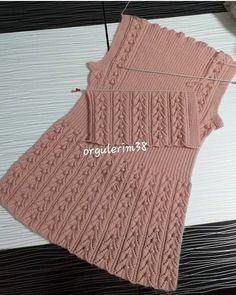 Hayırlı akşamlar 😍❤ . . . . . #hobi #orguyelek #bebekpatik #örtüpuset #hediye #patikmodelleri #urunumusatiyorum #siparişalinir #şal… Crochet Jacket, Knit Vest, Crochet Top, Knit Baby Dress, Knitted Baby Clothes, Jacket Pattern, Top Pattern, Baby Knitting Patterns, Hand Knitting