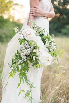 Wedding Bouquets :     Picture    Description  Just look at that bouquet! www.stylemepretty… | Photography: Matt and Julie Weddings – www.mattandjuliew…    - #Bouquets https://weddinglande.com/accessories/bouquets/wedding-bouquets-just-look-at-that-bouquet-www-stylemepretty-photography-matt-and-julie-we/