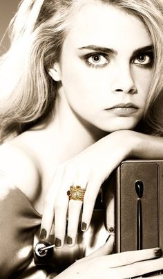 CARA DELEVINGNE FOR DAISY JEWELLERY 2010
