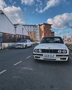 "Emilia's E30 Betty on Instagram: ""😏 -  #bmw #bmwe30 #project #e30lovers #dirtythirty #bmwgirl #alpinewhite #classic #car #bmwperformance #e30girl #oldschool #essex…"" Bmw Girl, Bmw Performance, Alpine White, Bmw E30, Old School, My Photos, Photo And Video, Classic, Car"