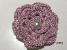 Flor a ganchillo Crochet Earrings, Jewelry, Fashion, Flower, Crocheting, Moda, Jewlery, Jewerly, Fashion Styles