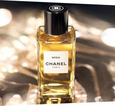 Misia: the first Chanel fragrance by Olivier Polge Perfume Chanel, Perfume And Cologne, Perfume Bottles, Perfume Tray, Ysl Beauty, Coco Mademoiselle, Beautiful Perfume, New Fragrances, Body Spray