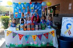 Girl Scout Cookie Booth Ideas | Love the felt banner