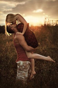 I want to do this pose with my future boyfriend. <3 Great shot.