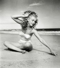 """I restore myself when I'm alone."" ~ Marilyn Monroe"