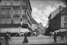 Neubaugasse 1900 Austro Hungarian, Modern Times, Old Pictures, Vienna, Hungary, Vintage Photos, Medieval, Street View, Black And White