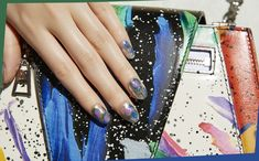 80sテイストなバッグに合わせたいカラー弾けるシルバーネイル Beauty Nails, Sequins, Fashion News