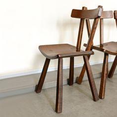 Série de quatre chaises en bois années 50 - Acheter, vendre sur Kolectiv Design. La seconde vie du Design signé