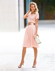 Skirt, pure silk, Blouse, pure silk, Necklace, Slingback heels, Belt
