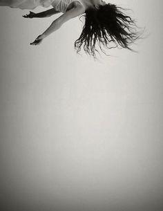 Après   Memoon   black & white   soft   sky high   photography   drift   air   dream