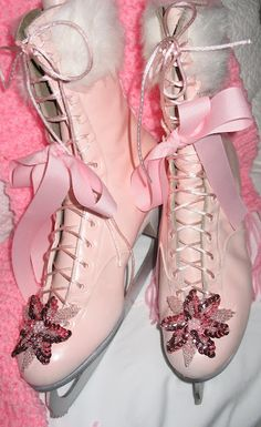 Decorate old ice skates