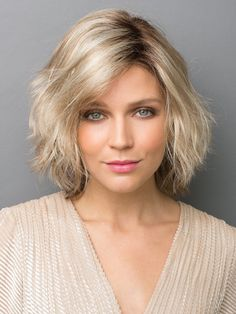 The Best 40 Wavy Bob Hairstyles 2019 - Long Bob Hairstyles 2019 Bobs For Thin Hair, Wavy Bobs, Blonde Bobs, Layered Bobs, Wig Styles, Curly Hair Styles, Bobs Rubios, Bobs Blondes, Medium Length Blonde