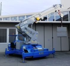 Minidrel B Series mobile pick and carry cranes with capacity of up to lbs US ton / 50 tonnes).