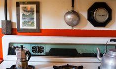 The Socialite Family | Chez Stefano Vitali #famille #family #interieur #interior #design #deco #decoration #vintage #milan #milano #antiquaire #antiquedealer #apartment #appartement #cuisine #kitchen #thesocialitefamily