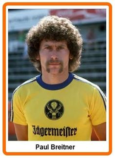 Paul Breitner at Eintracht Braunschweig. After his stint in Spain with Real Madrid, Breitner spent the season with Braunschweig before making his way back to Bayern München. Football Stickers, Football Kits, Football Cards, Football Soccer, Soccer Guys, Football Players, Best Shirt Brands, Lars Bender, Michael Ballack