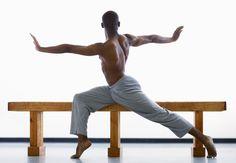 Estos 5 ejercicios para espalda en casa, nos van a ayudar a construir unos músculos dorsales y lumbares tonificados y fuertes, sin la necesidad de salir de nuestros hogares. La espalda, es una de las zonas que quizá sea más difícil de trabajar en casa, ya que se necesita de cierto material para poder ejercitarla […]