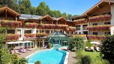 ⭐⭐⭐⭐ 📍Schmittenstraße 5700 Zell am See, Austria With a stay at Hotel Stadt Wien, you'll be centrally located in Zell am See, a drive from Lake Zell Herbert Von Karajan, Palaces, Bon Plan Voyage, Zell Am See, Childcare Activities, Ski Rental, Outdoor Spa, Das Hotel, Salzburg