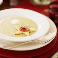 Christmas Potato Soup---Your guests will love this rich potato-bacon soup. Toasted bread in the shape of a star with onion-grape marmalade and snipped chives makes a festive topper. Christmas Potatoes, Christmas Soup, Christmas Recipes, Christmas Ideas, Christmas Tree, Thanksgiving Soups, Potato Bacon Soup, Holiday Side Dishes, Pumpkin Soup