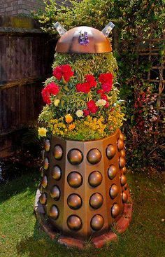 dalek in the garden  Doctor Who and the T.A.R.D.I.S.'s Page on Facebook