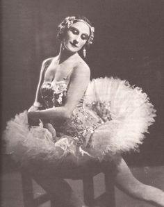Pavlova with costume made by Madame Manya.