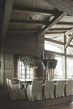 Divine Dining Mix of Rustic Contemporary