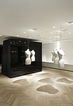 — Givenchy 28 Rue Faubourg Saint-Honoré