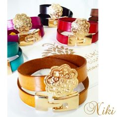 Brazaletes en cuero italiano con dije y broche en baño de oro.  Diseños exclusivos de Niki Diseños. Instagram: @nikidisenosapc - Twitter: @nikidisenosapc - Facebook: Niki Diseños Accesorios - Correo: nikidisenosapc@gmail.com