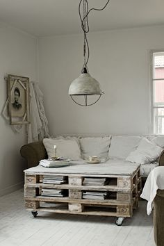 .pallet coffee table