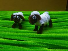 Read information on cheap crafts for kids Pipe Cleaner Projects, Pipe Cleaner Art, Pipe Cleaner Animals, Pipe Cleaners, Diy Arts And Crafts, Hobbies And Crafts, Crafts To Make, Fun Crafts, Crafts For Kids