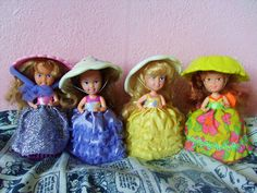 I remember these little dolls. I had them, and they smelled like cupcakes.