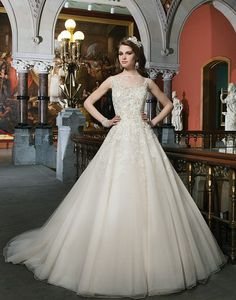 Wedding Dresses by Justin Alexander | Wedding Dress & Bridal Gown Designer | All Styles 8726