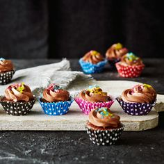 Minikuppikakut   K-ruoka #lastenkutsut Mini Cupcakes, Birthday, Party, Desserts, Children, Kids, Tailgate Desserts, Young Children, Young Children