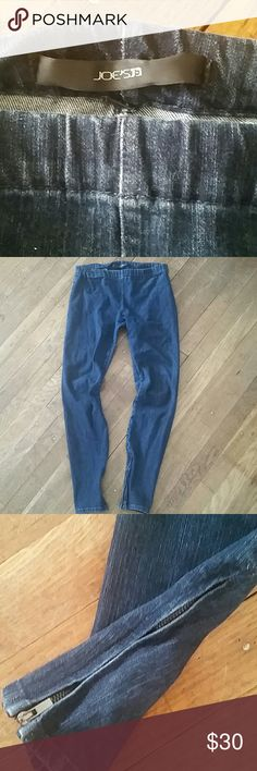 Joe's Jeans denim legging Always in style. Joe's Jeans denim legging pant jegging. Size M. Inside ankle zips. Great condition! Wore only a handful of times. Small metal detail missing on one side, but absolutely not noticeable and does not affect wear. Joe's Jeans Pants Leggings