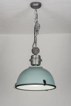 Geschikt voor LED . Trendy industrielamp uitgevoerd in de frisse kleur ijsblauw! Deze hanglamp heeft een industrieel karakter en voldoet aan de laatste trends; gemaakt van staal maar voorzien van een fraaie, ijsblauwe kleur in een zijdeglans afwerking. Voor eettafel , tafel , slaapkamer of bedrijf . Voor eettafel , woonkeuken tafel . Home interior lights / online shop : click on this link www.rietveldlicht.nl