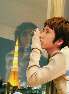 AWE, he looks so lonely :( I just want to give him a hug :) Ninomiya Kazunari, Cute Guys, Lonely, Super Cute, Handsome, Couple Photos, Sexy, Yellow, Couple Shots