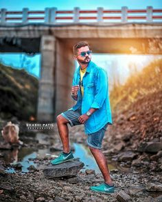 Beach Photography Poses, Portrait Photography Men, Blur Background In Photoshop, Background Images, Men Fashion Photo, Best Poses For Men, Lightroom Presets For Portraits, Photoshoot Pose Boy, Stylish Photo Pose