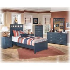 Such a lovely set for a boys or even a girls room!